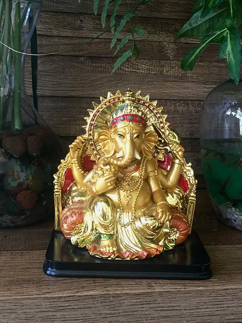Ganesha Dourado no Trono M