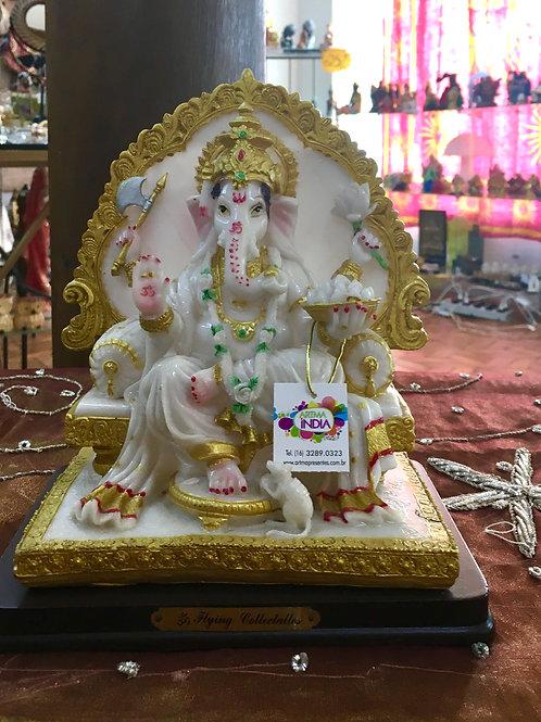Deus Ganesha no Trono Branco