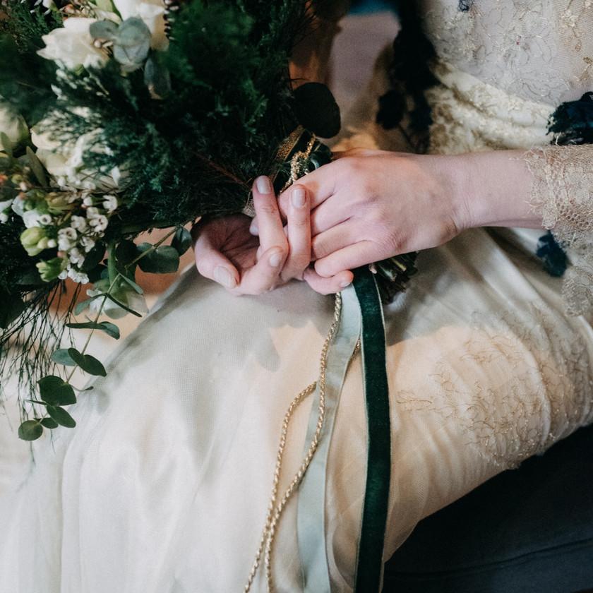winter wedding boquet ideas by The Wedding Fox
