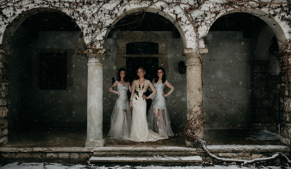 fine-art Nora Sarman vintage winter wedding inspiration by The Wedding Fox