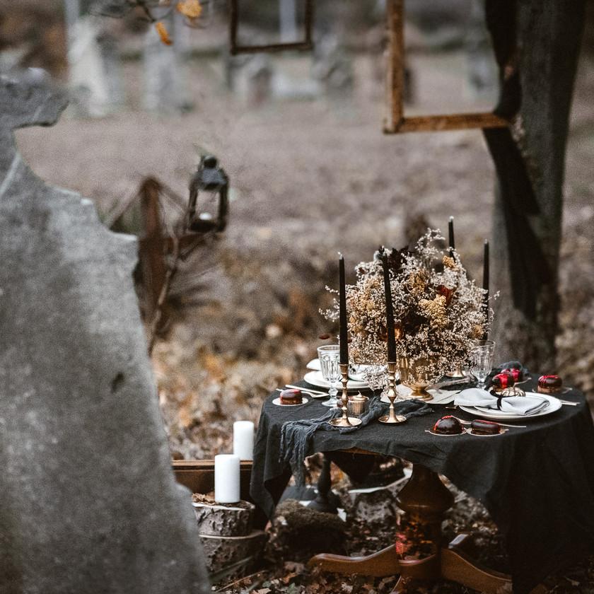 halloween inspired wedding styled shoot | themed weddings 100layercake