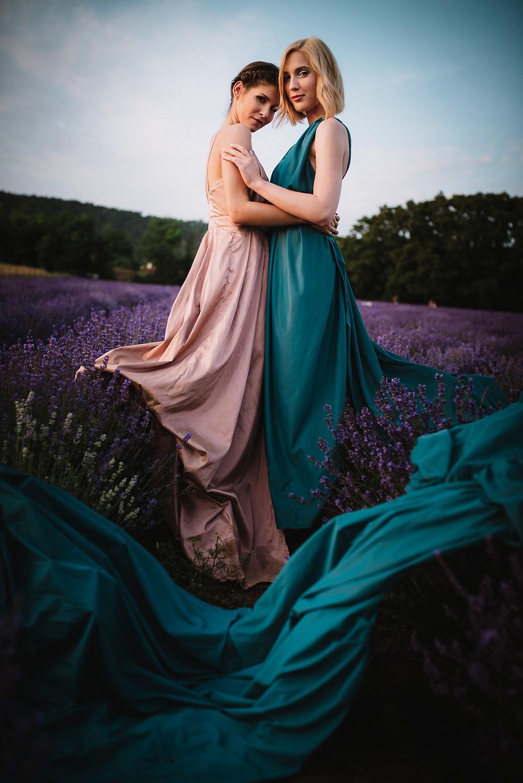 fineart wedding photography | summer wedding photoshoot, styled shoot on a lavender field, wedding inspiration, wedding editorial, wedding dress, 100layercake, junebugweddings, naturalweddingphotographer