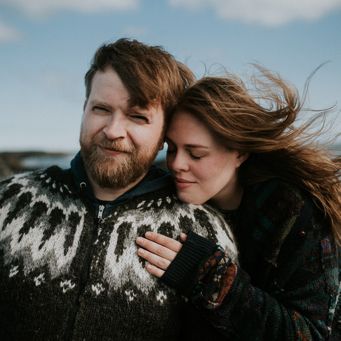 4 elements - pre-wedding photoshoot in Iceland turns into a family session