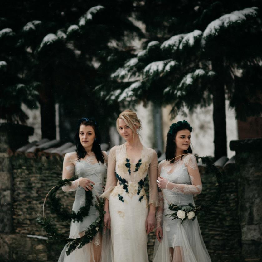 Nora Sarman vintage winter wedding inspiration by The Wedding Fox
