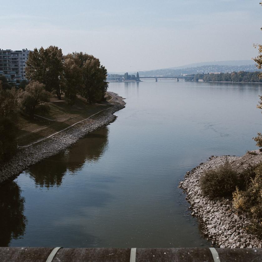 Danube river lovestory photoshoot location by The Wedding Fox International Wedding Photography