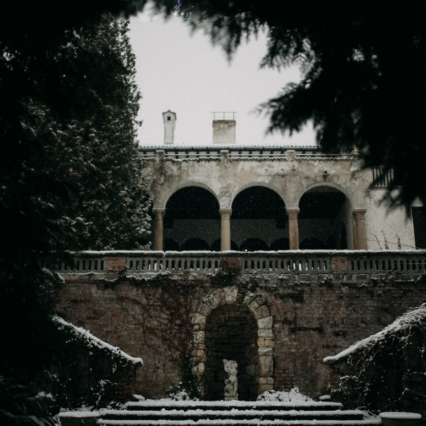 fine-art destination wedding photographer winter wedding location Sorg Villa,  by The Wedding Fox