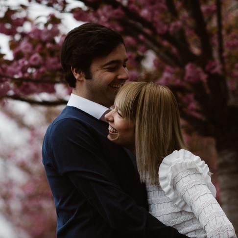 Kiss like a French, dress like an Italian!