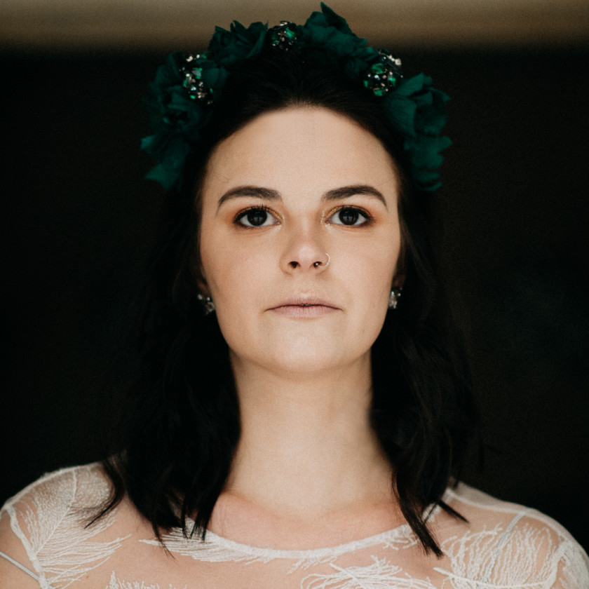 fineart destination wedding photographer based in Budapest   The Wedding Fox   Rienne bridal headpiece and earrings