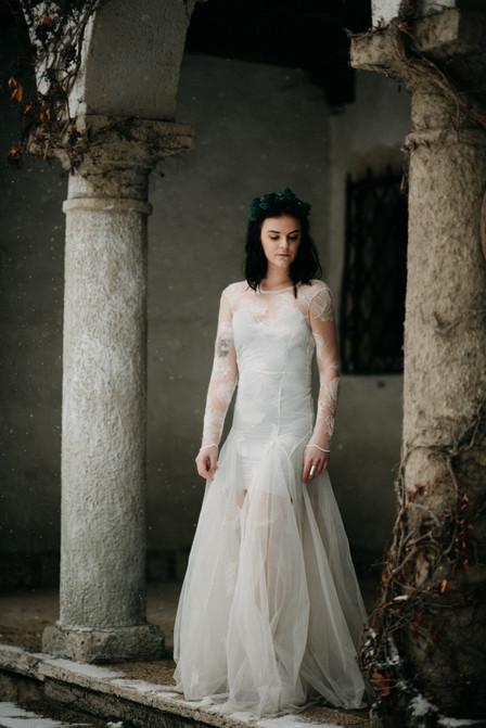 fine-art destination wedding photographer hochzeitsfotografin The Wedding Fox x Nora Sarman bridalwear