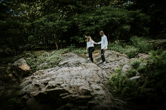 Engagement photoshoot in Gothenburg Bothanical Garden 12 bröllopsfotograf The Wedding Fox