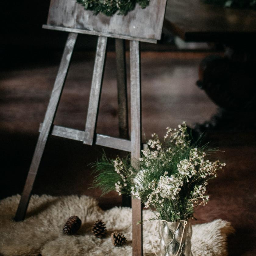 winter wedding decor ideas by The Wedding Fox