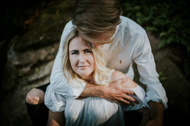Engagement photoshoot in Gothenburg Bothanical Garden 4 bröllopsfotograf The Wedding Fox