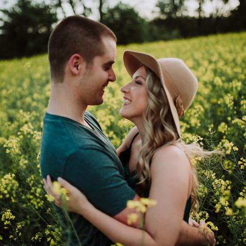 Dorothy from Kansas | pre-wedding shoot on the rape field