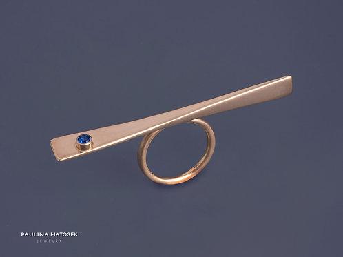 Pierścień WING queen-size gold z szafirową cyrkonią