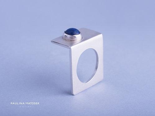 Pierścień unikat łamany z lapisem lazulim satin