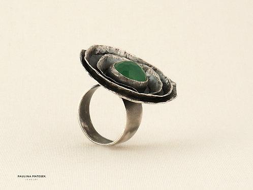 Pierścień unikaTY - kwiat z zielonym kwarcem
