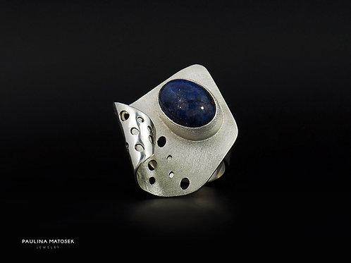 Srebrny pierścień unikaTY z owalnym lapisem