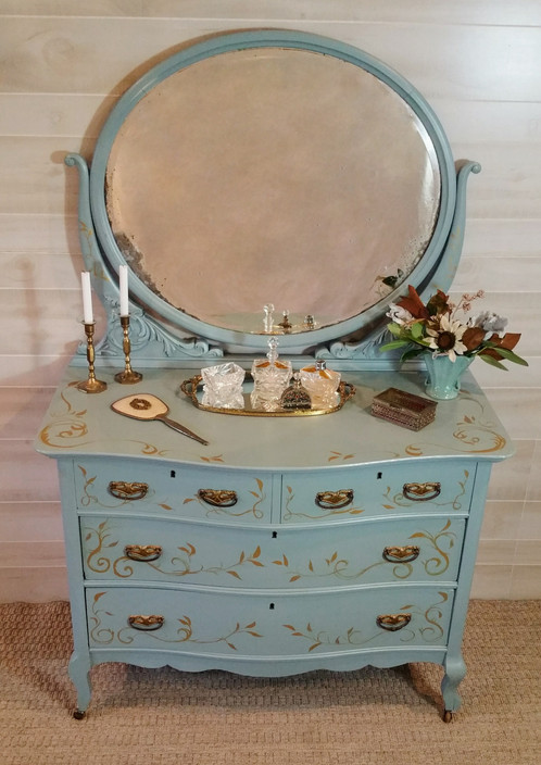 Vintage Dresser Adds Charm And Character To Any Room The Finish Is Rich Rous Hand Painted Scroll Work Embellishments Are Lovely