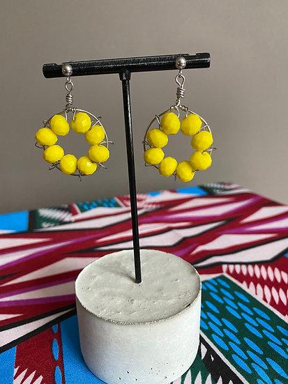 Hoop earrings with beads - Yellow