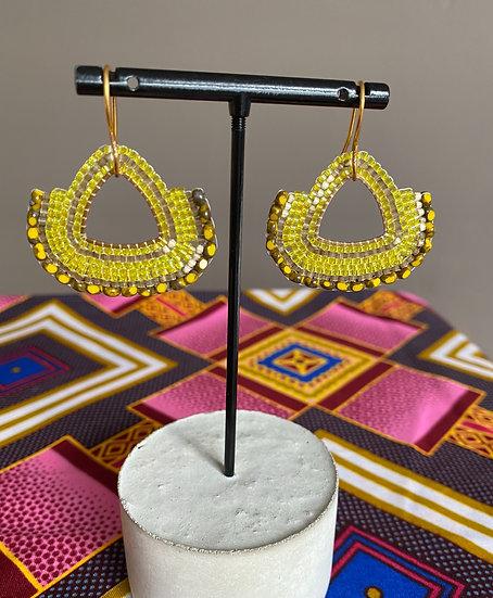 Fan Yellow - Beadwork triangle earrings