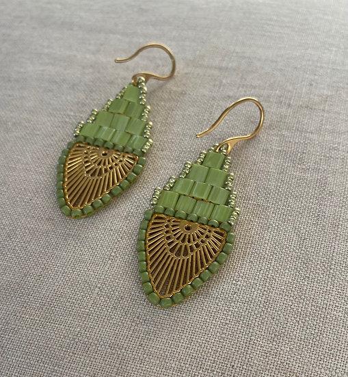 Rainbow Green - Beadwork earrings with gold pendant