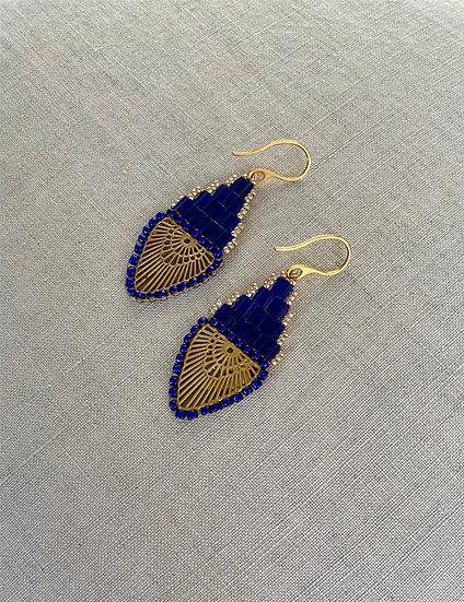 Rainbow Blue - Beadwork earrings with gold pendant