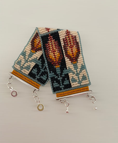 Folk Wild Tulip - beadwork bracelet with silver plated endings