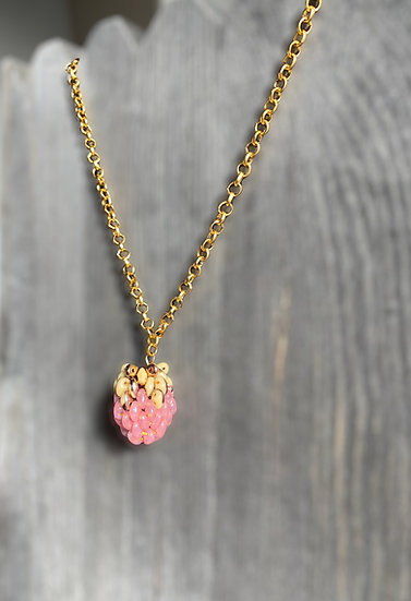 Berries Pink - chain necklace with a beaded pendant