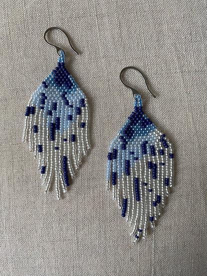 Beadwork fringe earrings - Blue