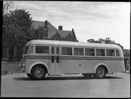 SLNSW_26826_CorambaCoffs_Harbour_bus_WikimediaCommons.jpg