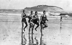Women's_team,_Coffs_Harbour_Jetty_Surf_Life_Saving_Club_(2867346990).jpg