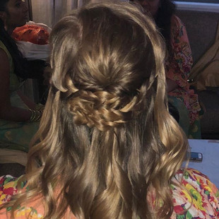 Half up half down style for the bridesma
