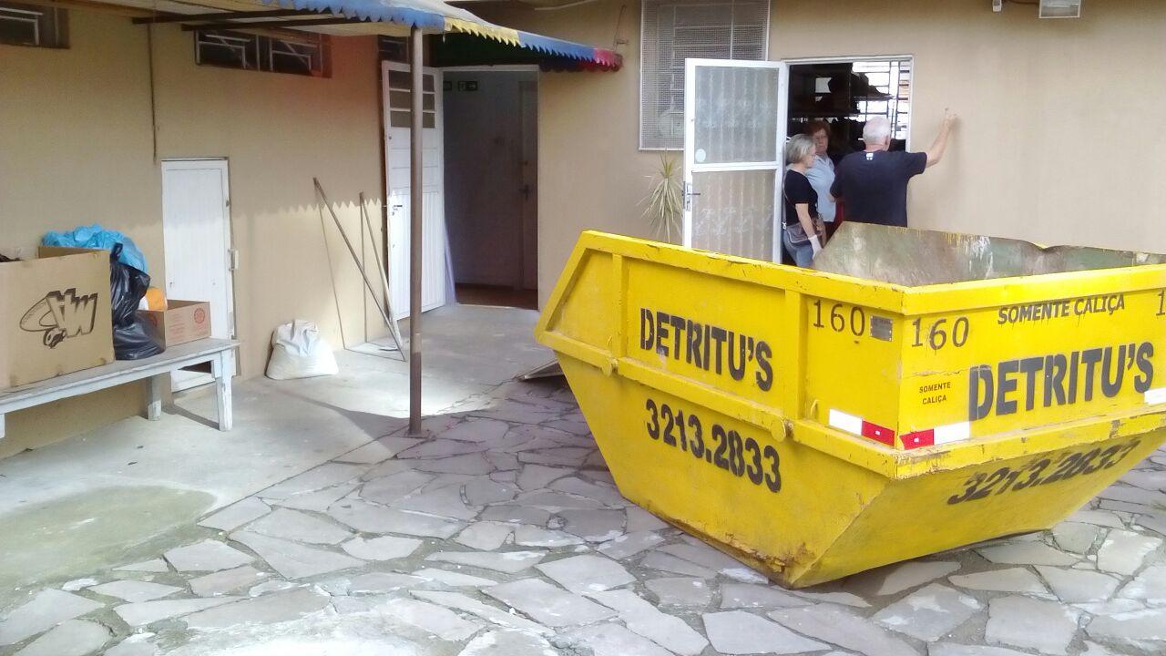 caçamba de resíduos