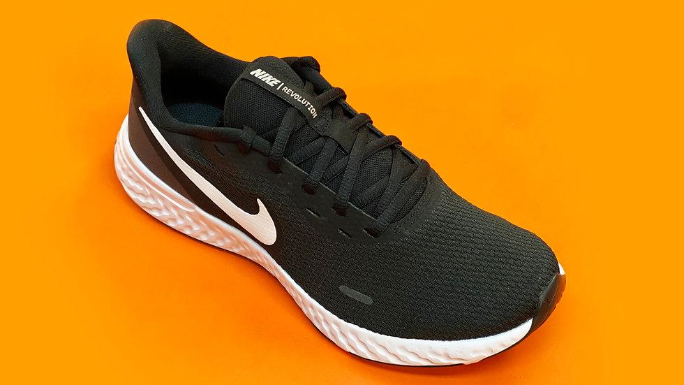 Nike - Revolution 5