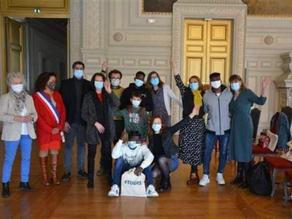 Parrainages républicains de 9 jeunes accompagnés par Utopia 56 à la Mairie de Tours !