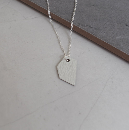 TessaMarieCox_Single Geo Shard Necklace_