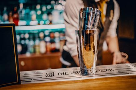 Nononsense (speak)easy cocktailbar - awarded Best Cocktailbar of The Netherlands by ENTREE Magazine