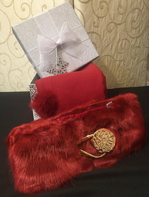 Gift box with scarf and collar