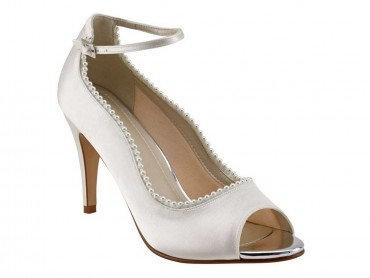 Bella Dyeable Shoe
