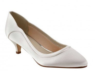 Hollie Dyeable Shoe