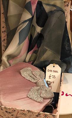Gift Set Scarf and Handbag