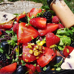 **SEASONAL** Spring Berry Salad - Spring 2020