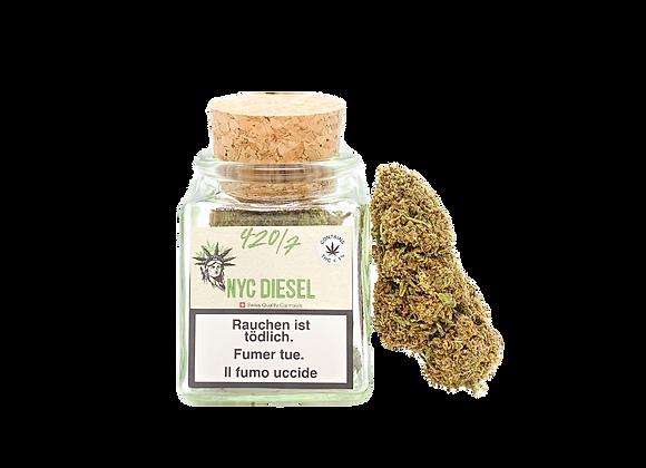 Dieses Cannabis riecht und schmeckt nach reifen, roten Grapefruits, und sobald du eine der frischen CBD Blüten berührst...