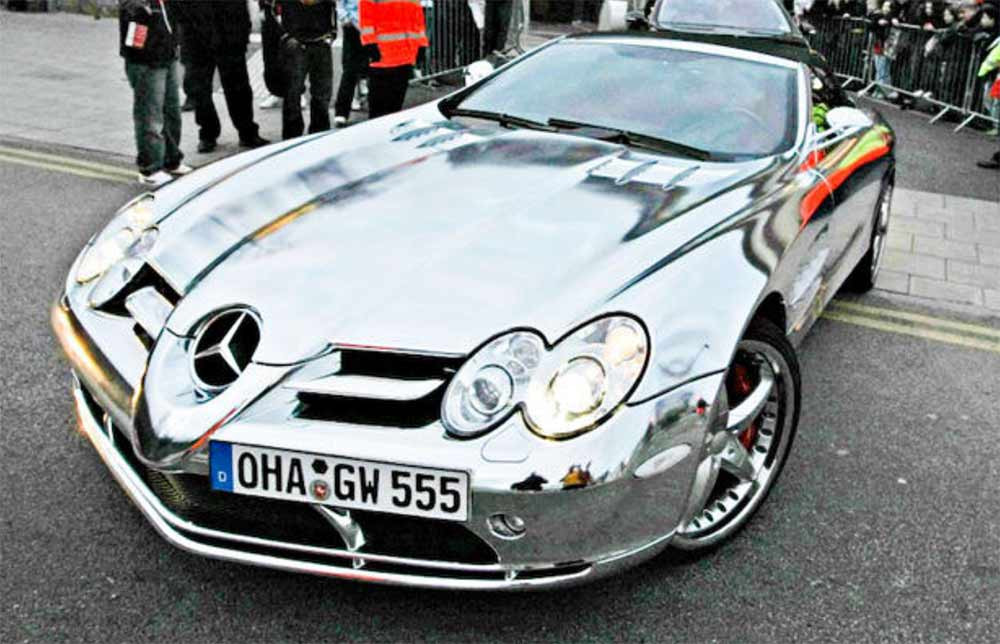 Image showing a Mercedes Benz with a full chrome car wrap used in a blog post by Auto Wrap Centre Liverpool about custom chrome car wraps.