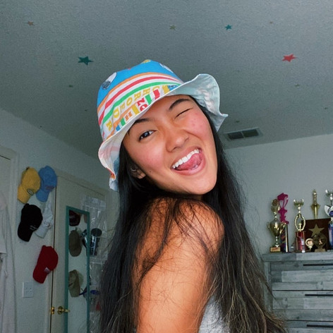 jesse in her bucket hat!