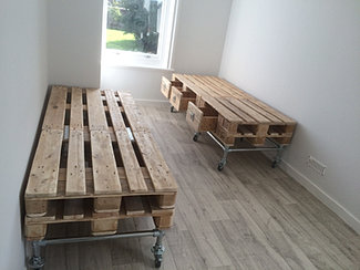 Industrial Stlye Beds Made From Pallets Sleepers And Scaffold