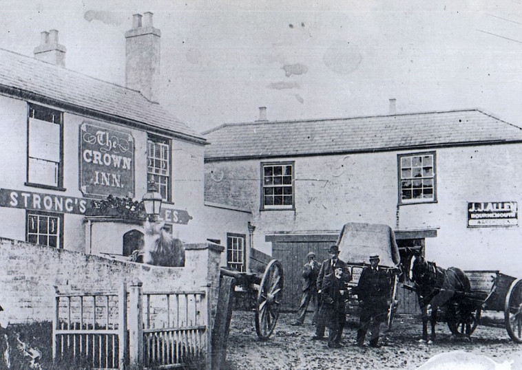 the-crown-inn-everton-early1900s-800x567