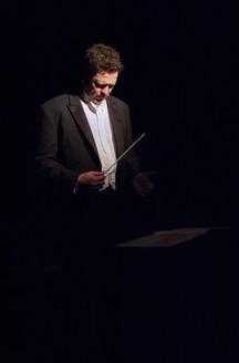 Conductor Donato Cabrera