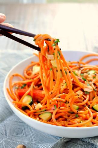 10-minute-thai-veggie-noodles-18-680x102