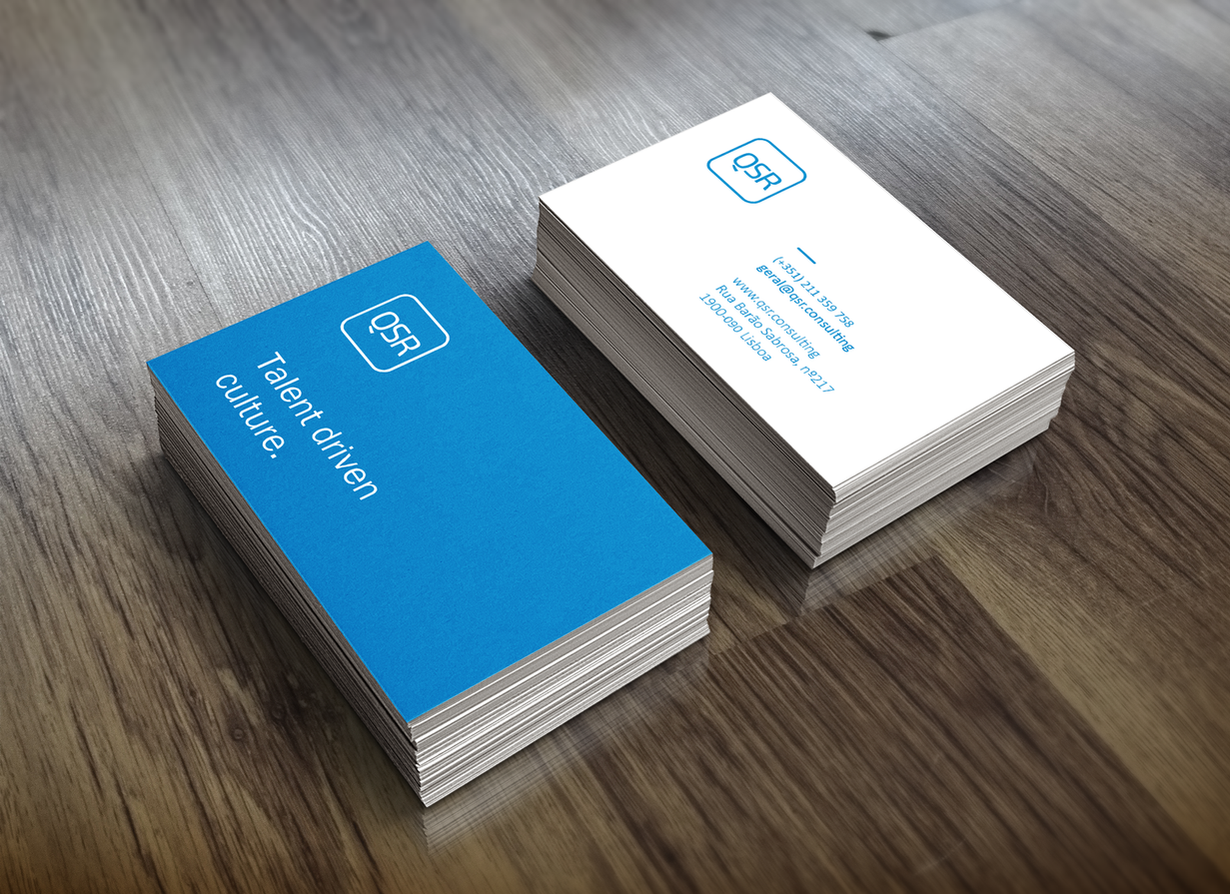 realistic-business-card-mock-uppng